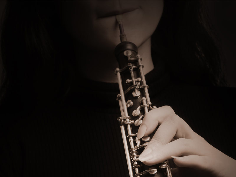 Picture of oboe player